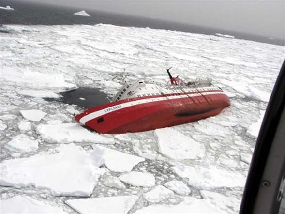 Antarktika'da gemi battı galerisi resim 1