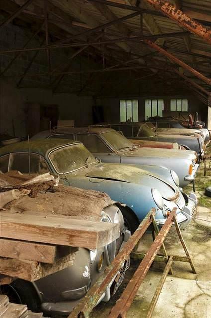 Fransız Ahırından Koleksiyonluk Otomobiller Çıktı galerisi resim 1