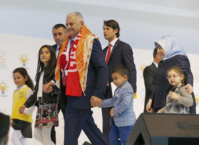 AK Parti'de yeni dönem: Binali Yıldırım genel başkan seçildi galerisi resim 1