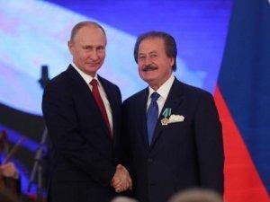 Putin'den Cavit Çağlar'a dostluk nişanı