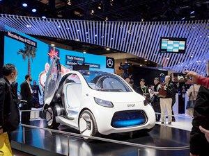Mercedes-Benz, Tüketici Elektroniği Fuarı 2018'de yeni multimedya sistemini tanıttı