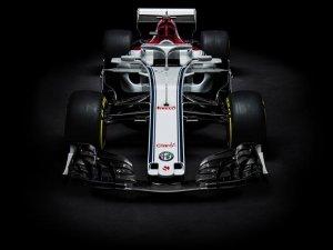 Alfa Romeo Sauber F1 Takımı'nın yeni aracı C37 görücüye çıktı