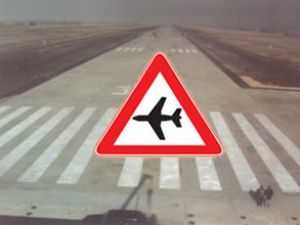 Muhalifler Şam Havalimanı'nı bombaladı