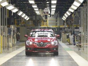 Oyak Renault 6 milyonuncu otomobilini banttan indirdi