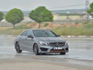 Mercedes-Benz Akademi Güvenli Sürüş Eğitimi Gaziantep'te yapıldı