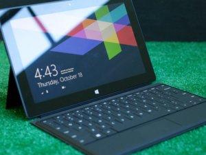 Microsoft'tan katlanabilir tablet