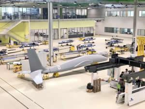 Taarruz insansız hava aracı Akıncı üretim bandına girdi