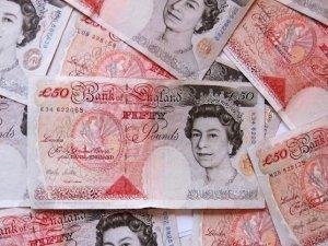 İngiltere ekonomisi yüzde 0,7 büyüdü