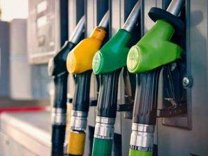 Çin'e tankerle petrol gönderiyor