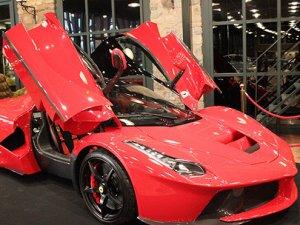 Hibrit Ferrari seneye satışa çıkacak!