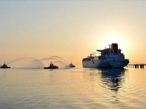 Yeni yüzer doğal gaz terminali yarın İzmir'e demirleyecek