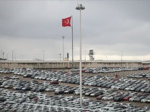 'Otomotiv düşüşe rağmen ihracatta lider'