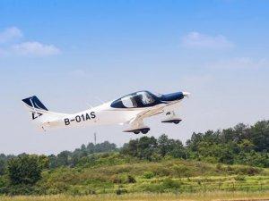 Çinli şirket yerel üretim uçağını 3 bin metre irtifada test etti