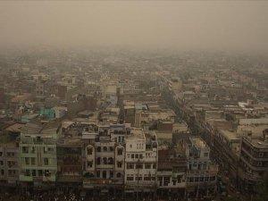 Yeni Delhi'de hava kirliliği yeniden tehlikeli düzeyde