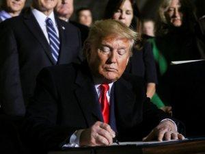 Trump, Türkiye'ye yaptırım öngören savunma bütçe anlaşmasını imzaladı