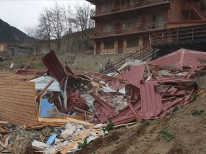 Uzungöl'de 65 kaçak binadan 14'ünün yıkımı tamamlandı