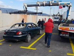 İzmir Büyükşehir Belediyesi hurda araçlar için otopark kurdu