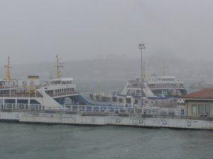 Hava koşulları deniz ulaşımını olumsuz etkiliyor