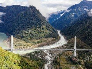 Tibet'in 73 ilçesine 13.7 milyar dolarlık yol yatırımı yapıldı
