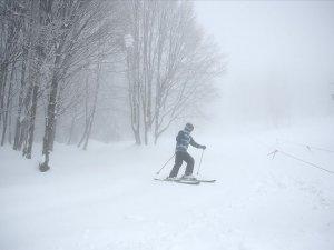 Kartepe'de kar kalınlığı 153 santimetreye ulaştı