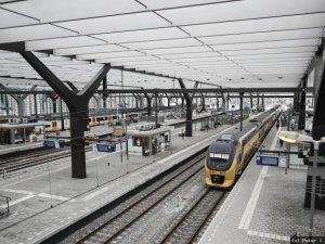 Hollanda'daki tren istasyonlarında sigara yasaklandı