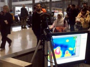 Sabiha Gökçen Havalimanı'nda yolcular termal kontrolden geçiriliyor