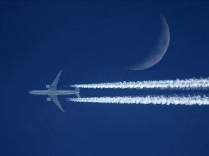 Türk hava sahasını saatte 232 uçak kullandı