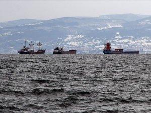 Sinop doğal limanı, yük gemilerinin güvenli sığınağı olmaya devam ediyor