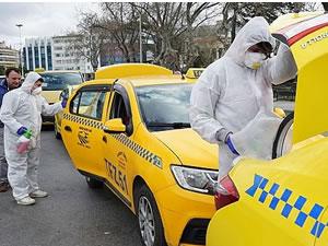 İstanbul'da taksi ve dolmuşlar dezenfekte edilliyor