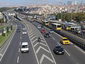 Salgına rağmen trafikteki araç sayısı yüzde 38,5 azaldı