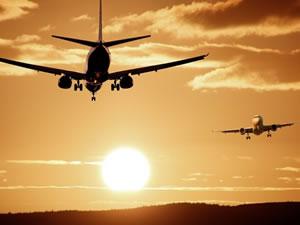 Uçaklar indi karbon salınımı düştü