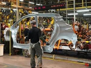 6 otomotiv fabrikası kepenkleri yeniden açıyor