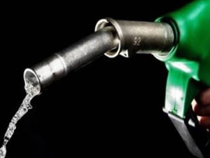 Benzine ve motorine zam beklentisi
