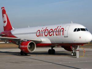 Air Berlin 900 çalışanını işten çıkartıyor