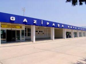 Gazipaşa Havaalanı'na büyük uçak iniyor
