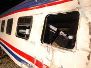 İzmir seferini yapan tren raydan çıktı