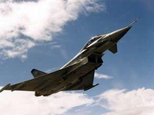Türk jetleri sınır ötesine geçti iddiası