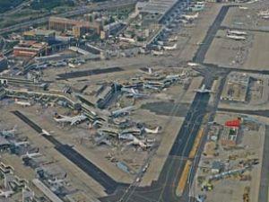 Antalya Havalimanı'na 902 uçak indi