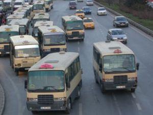 Minibüsçüler, UKOME önünde eylem yaptı
