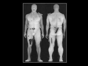 X-Ray'den geçmeyen yolcu elle aranıyor