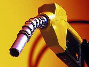 Almanya'da benzin fiyatları rekor düzeyde