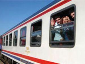 Dar gelirli bayram için treni tercih etti