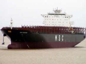 MSC Navarino adlı gemi Boğaz'dan geçti
