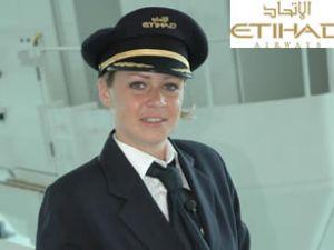 Etihad'ın ilk kadın pilotu ilk uçuşunu yaptı