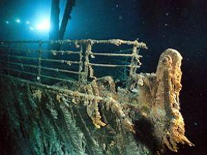Titanik, dümencinin hatasından batmış