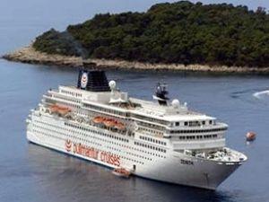 Zenith adlı yolcu gemisi Marmaris'e geldi