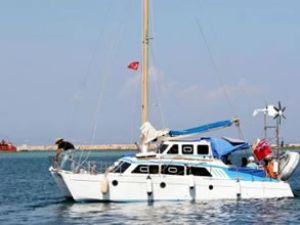 İsrail, Gazze'ye giden tekneyi ele geçirdi