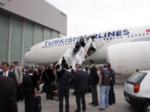 THY'nin yeni kuşu İstanbul'a iniş yaptı