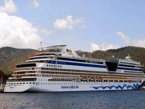 Aida Diva adlı lüks gemi Marmaris'e geldi