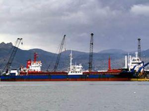 Roksolona 2 adlı gemi Boğaz'da arızalandı